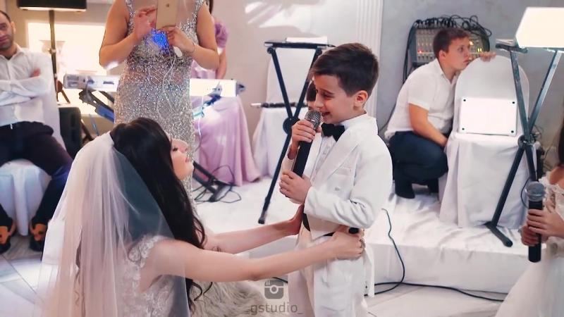 дети спели сестре прекрасную песню автором которой является их мама!