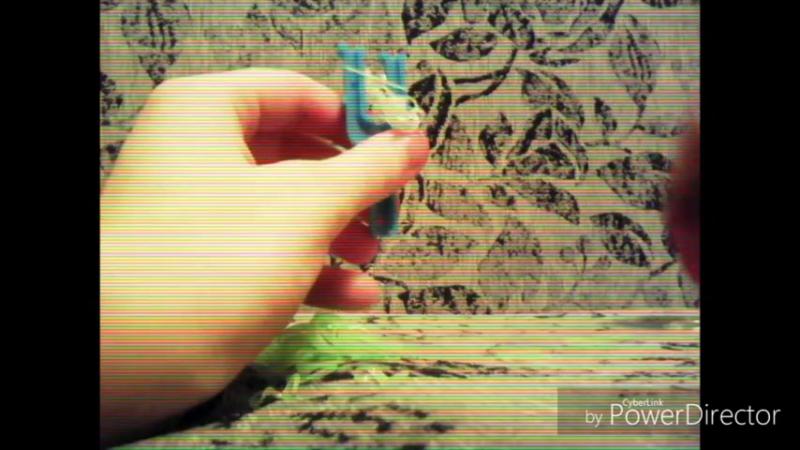 Плетение браслета из резинок 10