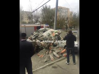 Вез цемент и врезался в столб vk.com/vkazani