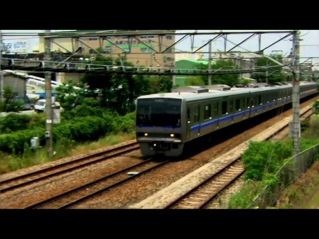 7-вагонный пригородный поезд сошёл с рельсов - За секунду до катастрофы