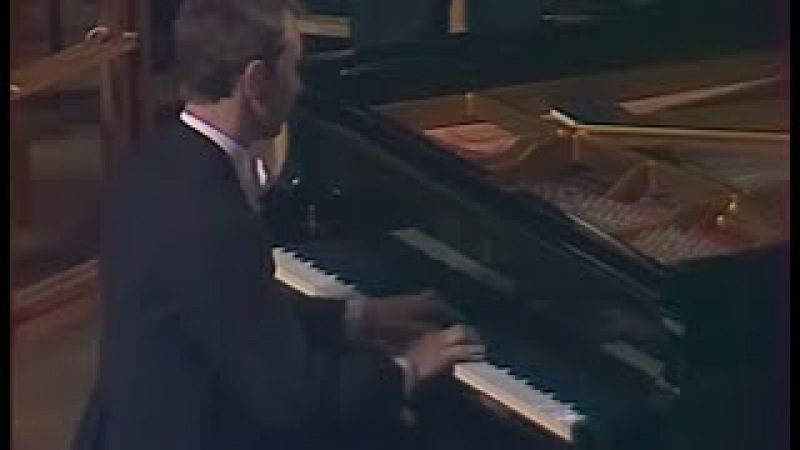 Mikhail Pletnev plays Rachmaninoff Rhapsody on a Theme of Paganini - video 1983