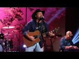Garth Brooks - Ask Me How I Know (TheEllenShow)