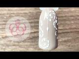 Нежный дизайн ногтей с Вензелями