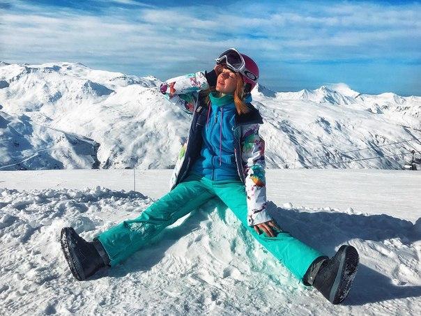 Юлианна Караулова пострадала от сноубордиста.
