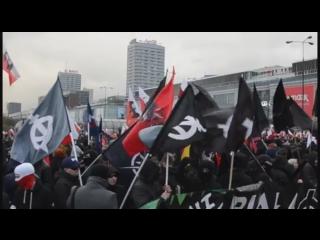 Польша, знамя Ларионова на Марше Независимости - 2017