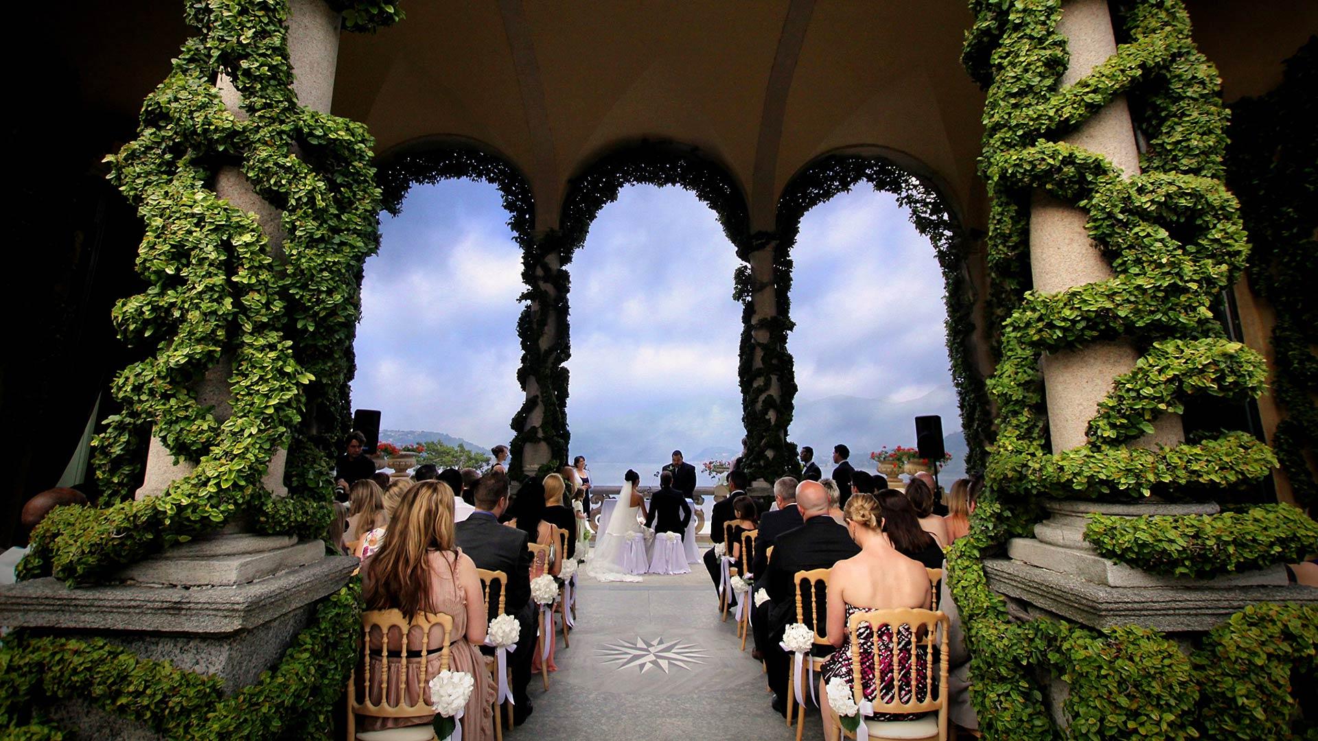 XFAJhEySYws - Организация и проведение свадьбы: на чем сэкономить?
