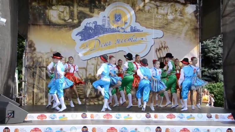 ФИНСКАЯ ПОЛЬКА в День Города 2014 Ансамбль РАДУГА г Днепропетровск