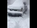 Как правильно чистить авто от снега)