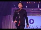 Shahrukh Khan Walks The Ramp As A Tribute To Yash Chopra