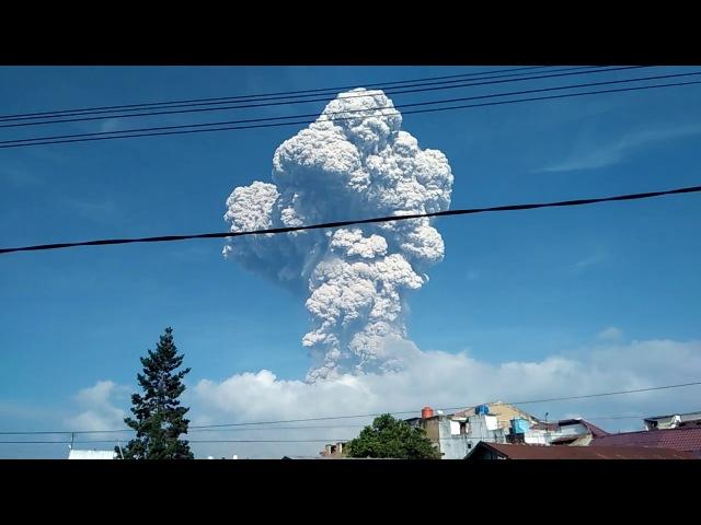 01 Gunung Sinabung kembali erupsi TERBESAR dan TERDAHSYAT erruption of sinabung mount