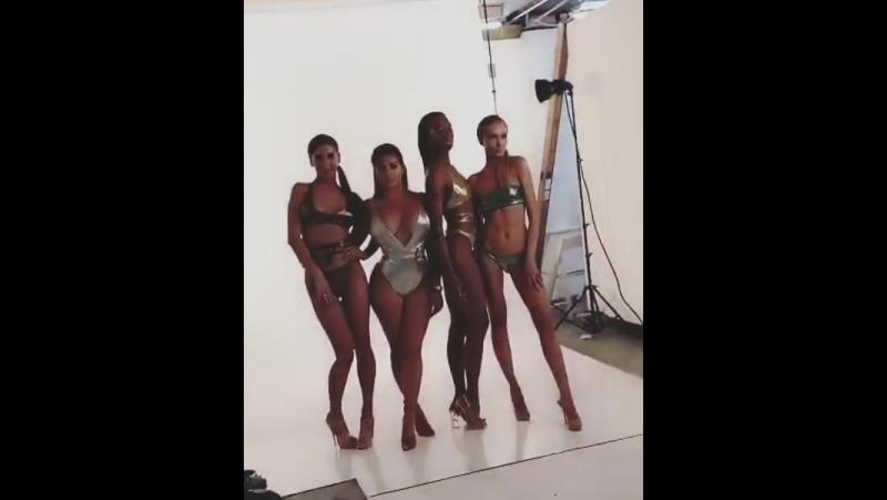 Фигура Анастасии Квитко на фоне других девушек