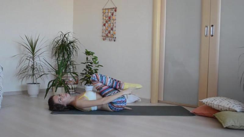 Подтягивание ног к груди - Маша Бодифлекс