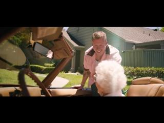 MACKLEMORE FEAT SKYLAR GREY - GLORIOUS (OFFICIAL MUSIC VIDEO)