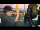 Нападение беспризорника на пассажирку троллейбуса в Кишинева попало на видео