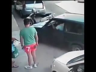 Заперли на парковке - не беда