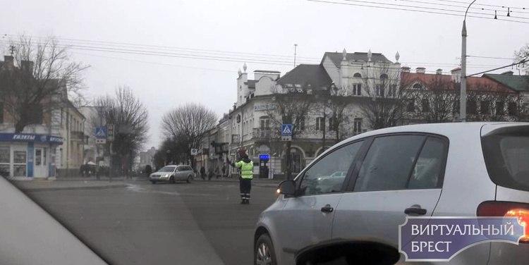 Lexus и Газель столкнулись в Бресте на проспекте Машерова