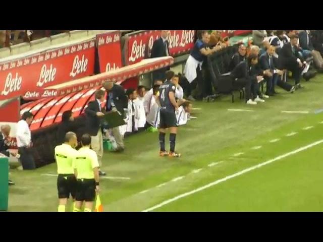 Addio al calcio di Zanetti - Ingresso in campo