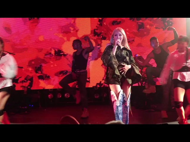 161031 CL live in Seattle - Lifted, Hello Bitches