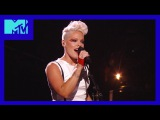 P!nk - Get the Party Started &amp Blow Me (One Last Kiss) (MTV Video Music Awards 2012)