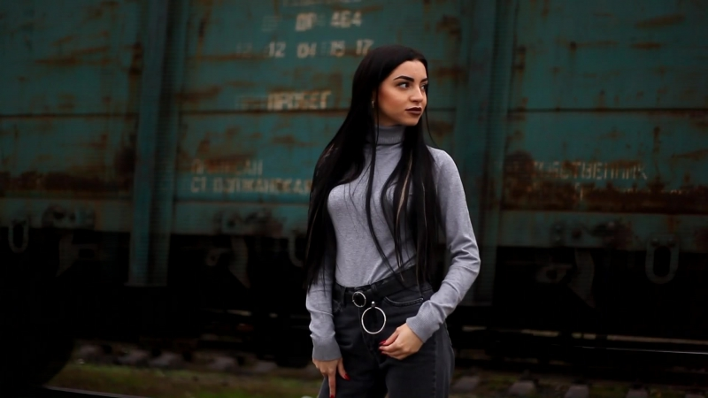 Model - Elena Serebrich (2)