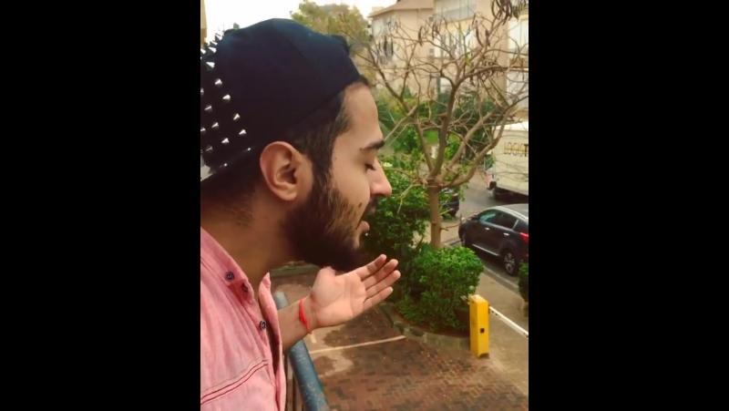 Qizmar yerlere yagish yagdi.. 😑 Menimde ureyimden bu mahnini oxumaq kecdi 👻🌧☔️🌴☘🌿