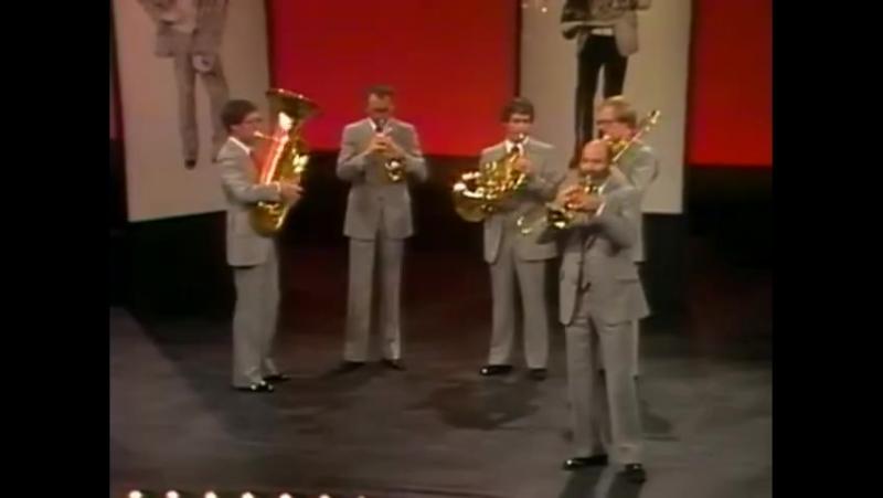 The Canadian Brass - Ronald Romm - La Virgen de la Macarena!