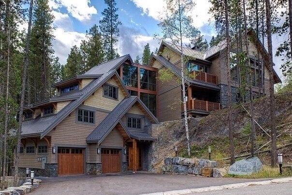 Отличный дом и два гаража