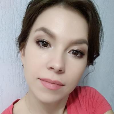 Анна Пивоварова