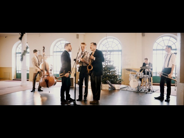 Undecided - Christmas/ vintage/ Swing by Flash mob Jazz