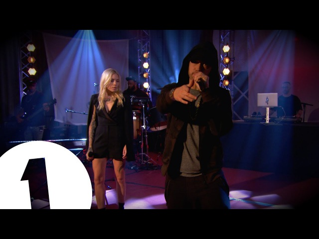 Eminem - Walk On WaterStan ft Skylar Grey on Radio 1