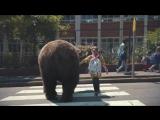 В этом ролике мам рядом с детьми заменили дикими животными. До мурашек!