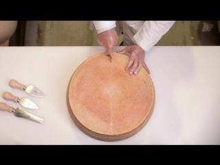 Как разрезать целый круг Grana Padano DOP