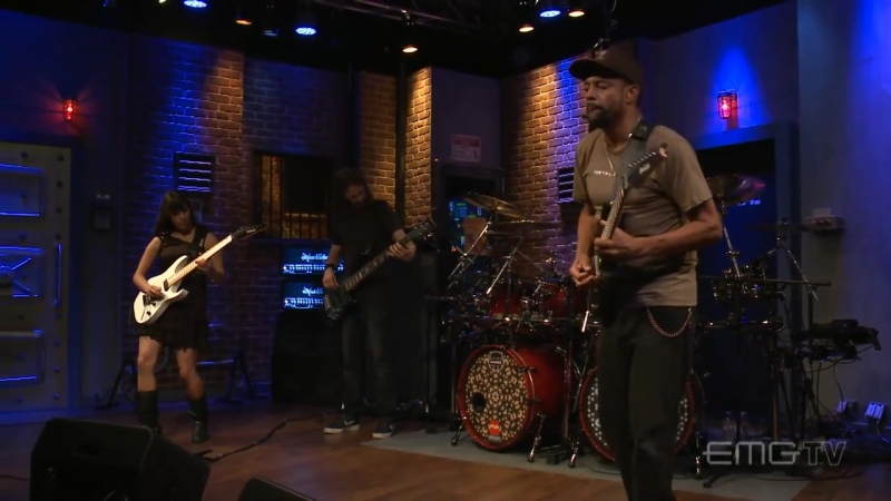 Tony MacAlpine and band perform Tears of Sahara on EMGtv