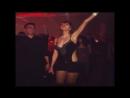 Самка с хорошо развитыми вторичными половыми признаками привлекает внимание самцов эротическим танцом