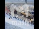 В Ярославле водитель Лады переехал упавшую на переходе женщину и скрылся