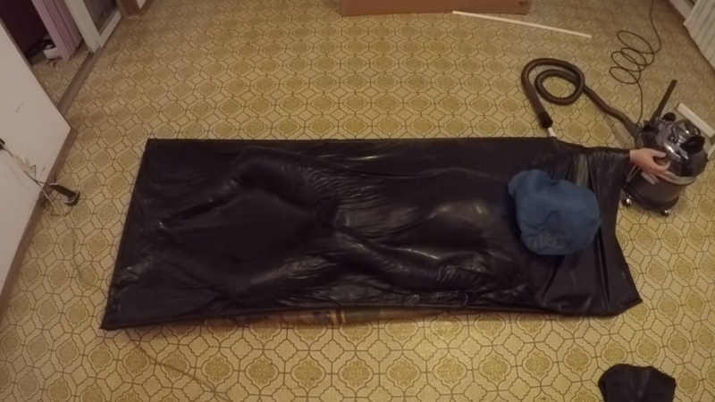 Sleeping-bag in the vacbed