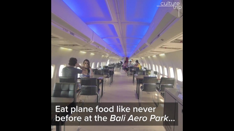 This Bali restaurant is hiding in a Boeing 737 ✈️✈️