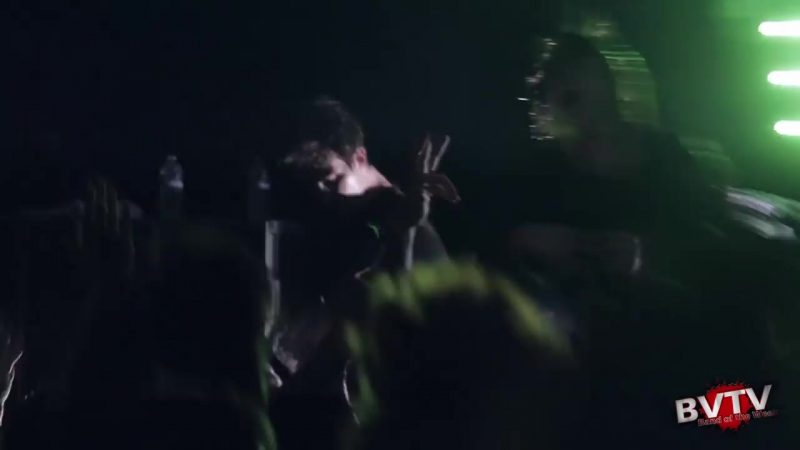 I See Stars - Mobbin Out (Brand New Song!) LIVE! @ Light In The Cave Tour