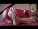 Jelena Big And Huge Feet Shows Tickled