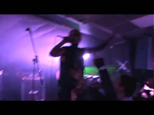 Alien Vampires - Control The Universe [Live @ U-Run Festival, Tabula Rasa Club, Moscow, 16.4.2011]
