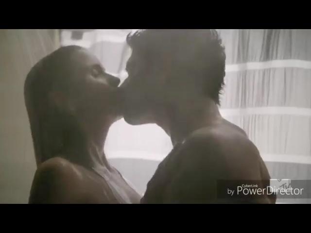 Scott and Malia (Scalia) Shower scene 6x18