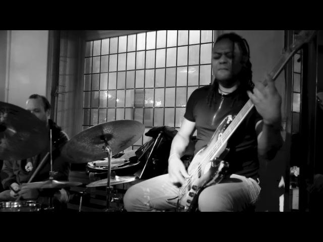 McSim 3 live 2015 Linley Marthe Maxime Lenssens Bass solo drumsolo