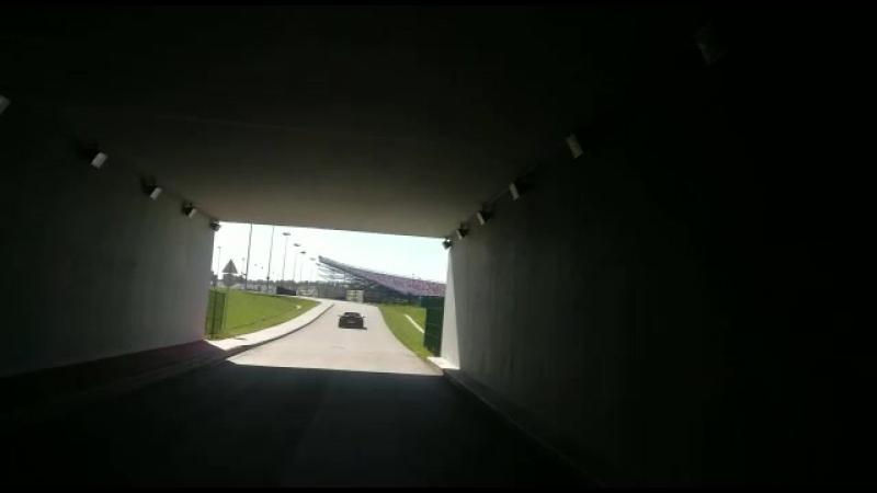 Ferrari в тоннеле. звук огонь!