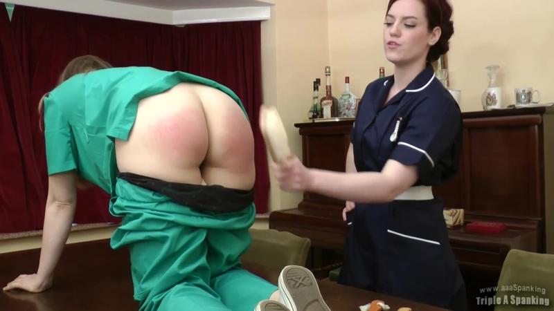 Врачиха и медсестра