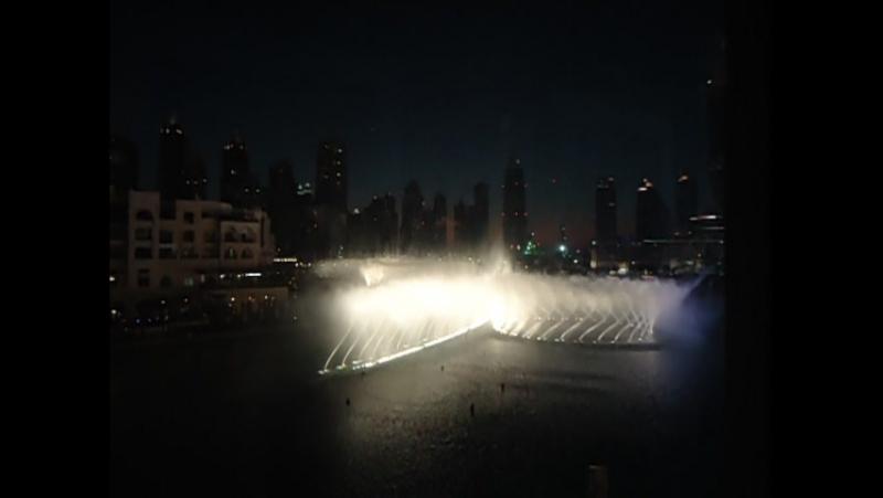 Фонтан в Дубаи