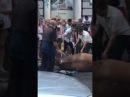 На Греческой площади лошадь упала в обморок