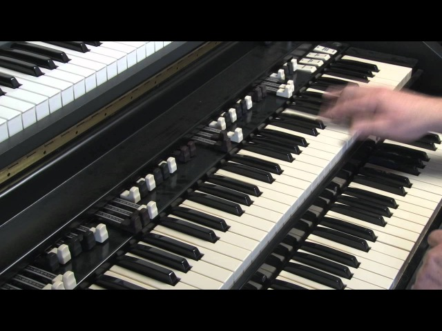 LESSON 43 - HOW TO PLAY JAZZ ROCK LICKS ON A HAMMOND B3 or C3 ORGAN