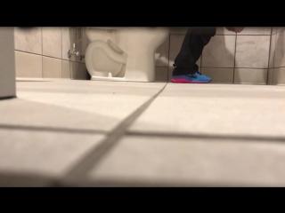 hidden_toilet_cam_17_720p