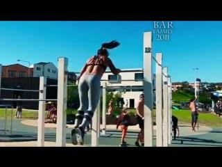 Awesome CALISTHENICS GIRL - Flexibility and Balance (Emma Pensini)