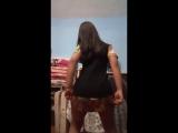Dançando querendo ou não ela chama a atenção